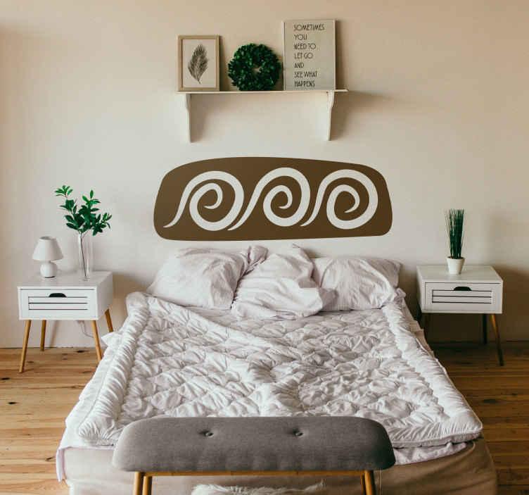TENSTICKERS. スパイラルヘッドボードウォールデカール. ヘッドボード-ベッドの上にオリジナルで独特の装飾が施されています。 50色とさまざまなサイズのスパイラルデザインの壁ステッカー。