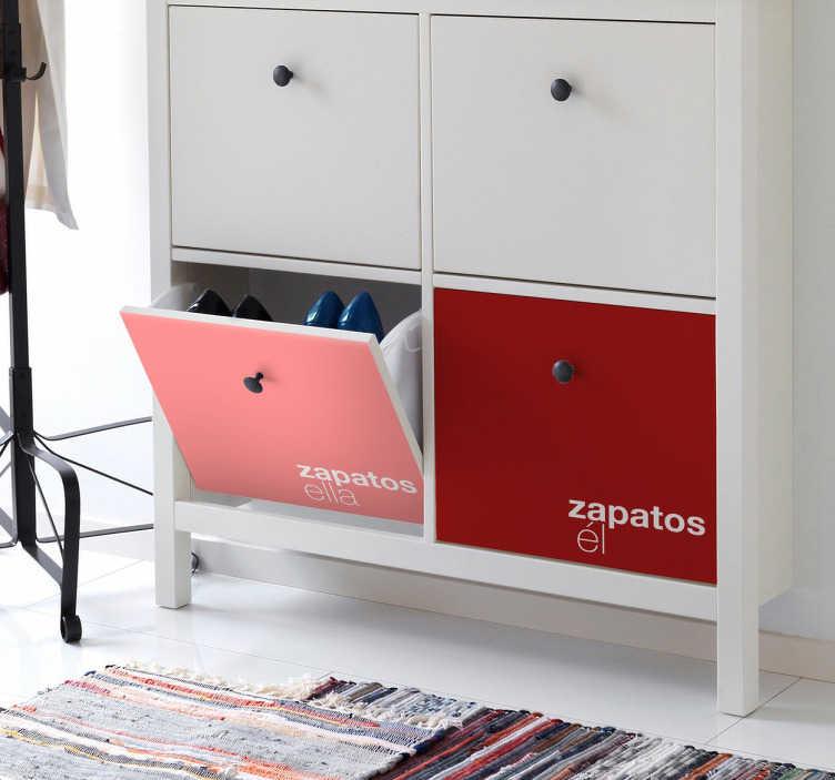 TenStickers. Sticker Kallax laden aanpasbare namen. Personaliseer jouw Ikea kasten met deze ladekast stickers! Je kunt hem bestellen in meerdere kleuren en je kunt je eigen woord of naam toevoegen!