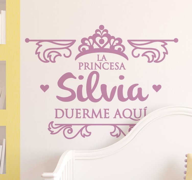 """TenVinilo. Pegatina personalizada princesa duerme. Pegatinas personalizadas para decorar el cuarto de tu hija. Incluye el nombre que quieras para este diseño de """"Aquí duerme..."""""""