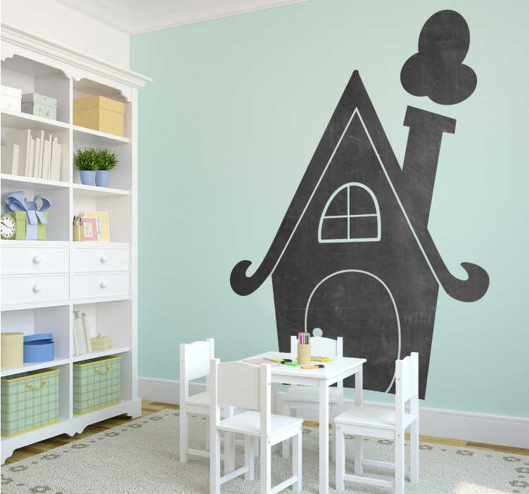 TenStickers. Sticker ardoise maison pointue. Sticker ardoise original en forme de maison accompagnée d'une cheminée qui fume, idéal pour décorer la chambre de vos enfants.