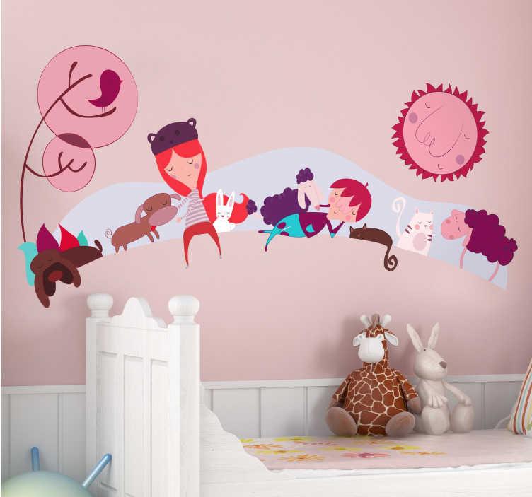 TenStickers. Kinderkamer sticker met dieren. Kinderkamer sticker met kinderen en allemaal lieve dieren! Deze sticker is in paarse tinten gemaakt! Leuke manier om de kinderkamer te personaliseren.