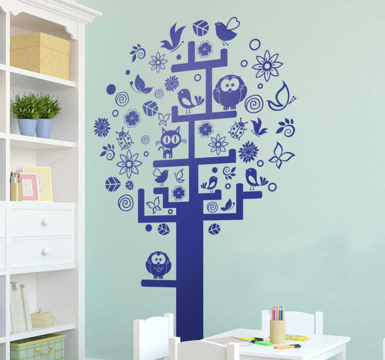 TenStickers. Naklejka drzewo różności. Naklejka na ścianę przedstawiająca drzewo, które składa się różnych motywów takich jak liście, kwiatki, ptaki, motyle.