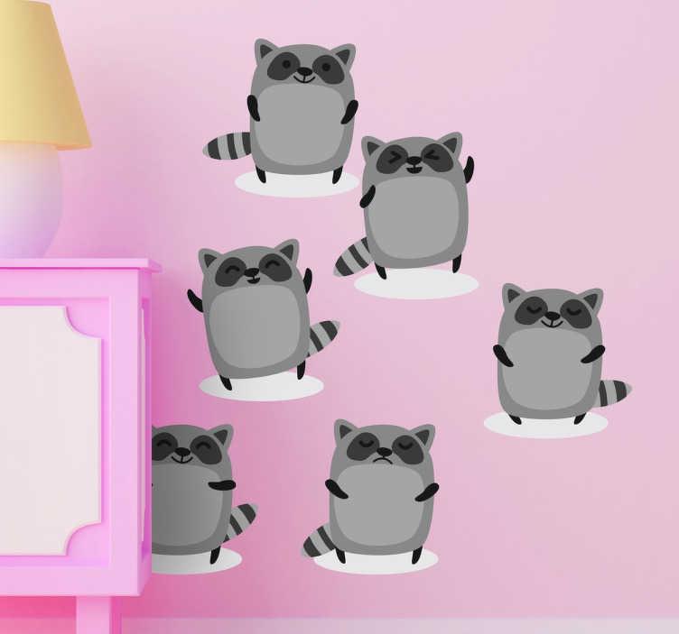 TenVinilo. Sticker infantil varios mapaches. Pegatinas para público infantil con seis ilustraciones del mismo mapache.