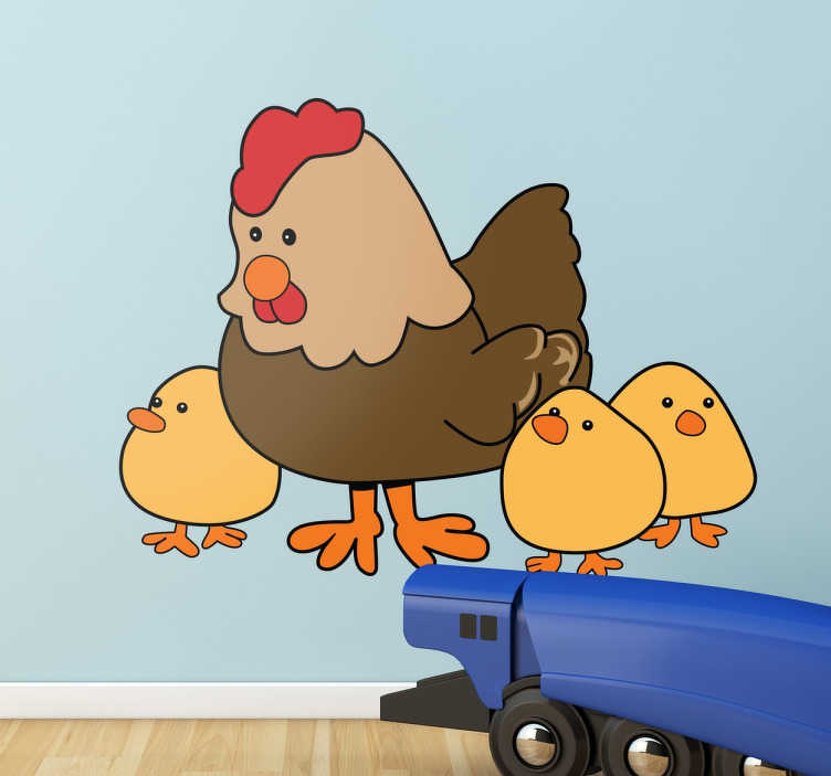 TenStickers. Kip met drie kuikentjes sticker. Decoratieve muursticker met een lieve kip met drie kleine schattige kuikentjes. Leuke manier om de kinderkamer mee te decoreren.