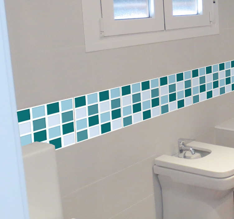 TenStickers. Sticker frise carreaux bleus. Sticker décoratif pour créer l'illusion d'une frise à carreaux, avec de jolis motifs bleus pour votre salle de bains.