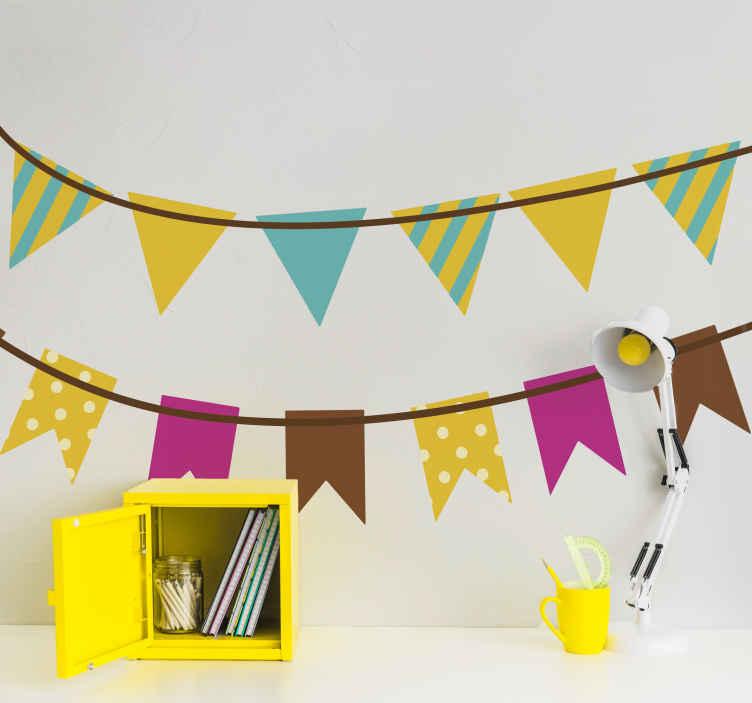 TenStickers. Sticker banderoles fanions fête. Collection de stickers exclusifs pour décorer la chambre de vos enfants, grâce à cette banderole de carrés et triangles.