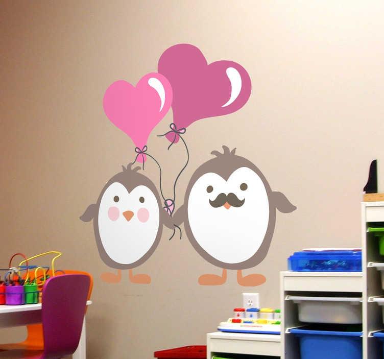 TenStickers. Naklejki zakochane pinwinki. Zabawna dekoracja ścienna do pokoju dziecięcego przedstawiająca dwa urocze pingwinki trzymające balony w kształcie serca.