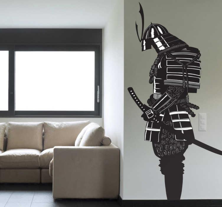 TENSTICKERS. 侍戦士ステッカー. あなたの家に印象的な代替機能を与える侍の素晴らしいモノクロデザインの雄大な日本の壁のステッカー。彼のカターナを抱えている古典的な装甲を身にまとったこの戦士とあなたの家の部屋をカスタマイズしてください。