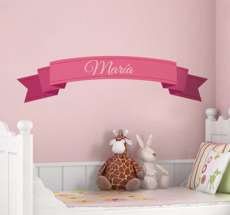 TenStickers. Naklejka imię na szarfie. Dekoracyjna wstęga z imieniem Twego dziecka w formie naklejki na ścianę do pokoju dziecięcego. Każda dziewczyna poczuje się jak prawdziwa księżniczka.