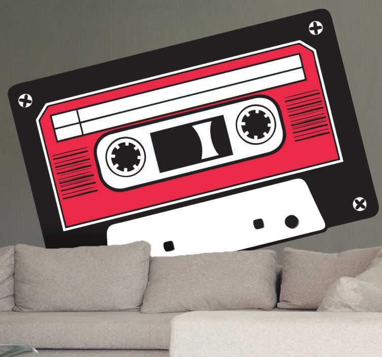 TenStickers. Sticker afbeelding cassette. Een muursticker met een afbeelding van een klassieke cassette! Leuk als jij vroeger ook vaak je cassettes teruggespoeld met behulp van een potlood.
