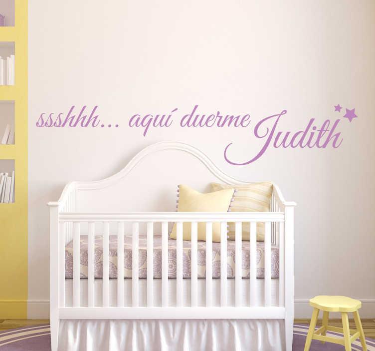 TenVinilo. Vinilo infantil personalizable aquí duerme. Vinilos para habitaciones infantiles, escoge el nombre que quieras y haz que nadie moleste a tu bebé.