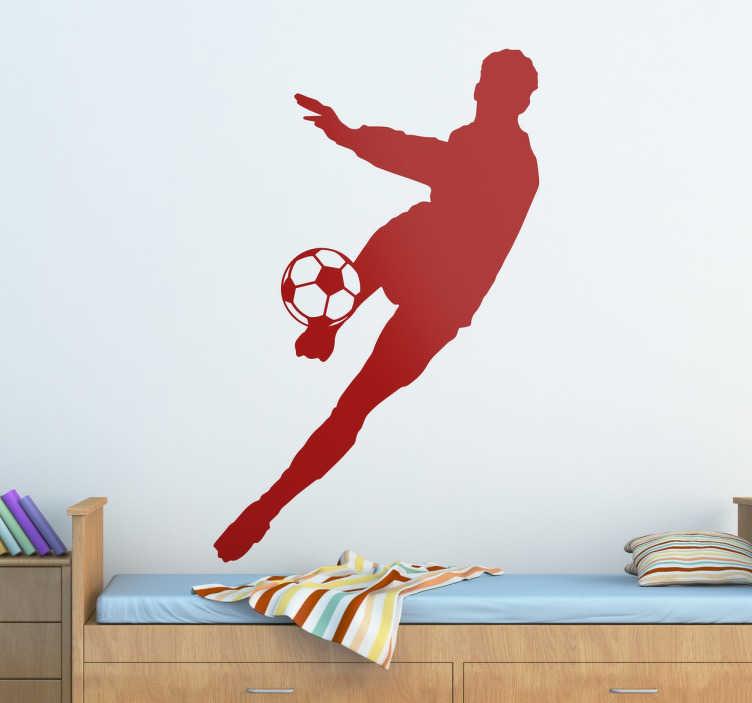 TenStickers. 足球运动员剪影贴纸. 足球墙贴显示一名球员踢足球,从我们的体育墙贴集合。这款剪影墙贴花非常适合装饰青少年房间,并为墙上的空白空间增添运动气息。