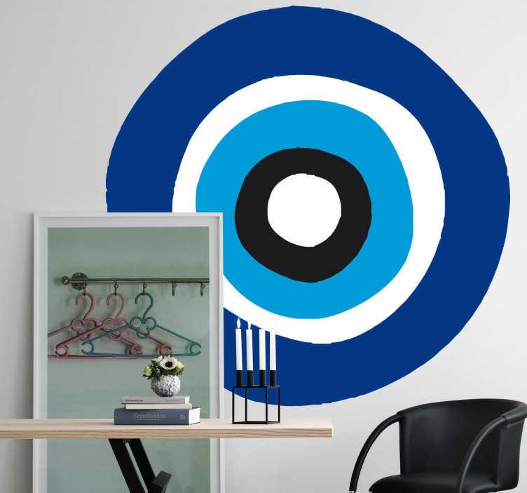 TenStickers. Amulet Nazar boze oog sticker. Decoreer jouw huis met een mooie amulet met het boze oog! Het og bestaal uit meerdere cirkels in verschillende tinten blauw met wit en zwart.
