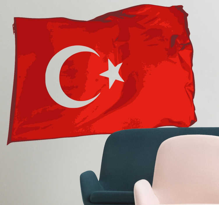 TenStickers. Turkse vlag muursticker. Muursticker van de Turkse vlag zo gemaakt dat het lijkt alsof deze vlag wappert. Ben jij gek op Turkije ? Dan wil je deze vlag zeker hebben!
