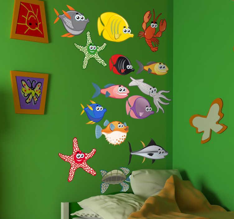 Tenstickers. Havsdjur barn klistermärken. En undervattensvägg av marin fisk som hajar, havssköldpaddor, sjöstjärna och krabbor. Kreativ design från vår under klistermärkesamlingen. Perfekt för att dekorera sovrummet eller lekområdet för de små hemma.