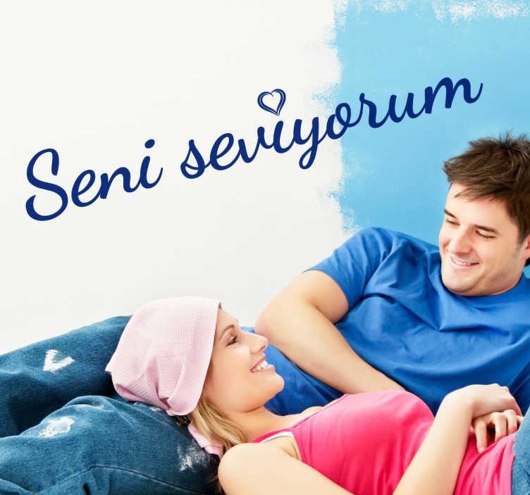 TenStickers. Wandtattoo Ich Liebe Dich auf Türkisch. Dekorativer und romantischer Text Sticker in türkischer Sprache. Zeigen Sie Ihrem Partner / Ihrer Partnerin Ihre Zuneigung.