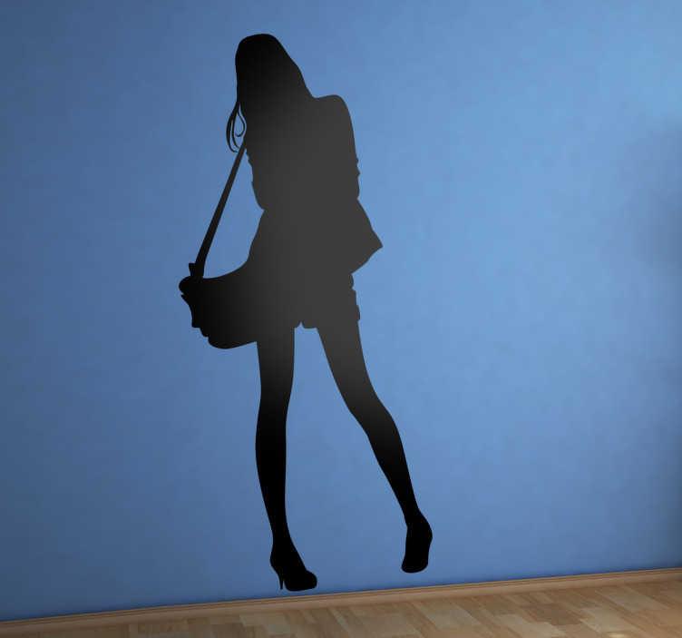 TenStickers. sticker silhouette vrouw handtas. Muursticker met de silhouette van een vrouw met een tas. Leuke decoratie voor uw woning! Beschikbaar in verschillende  groottes en kleuren.