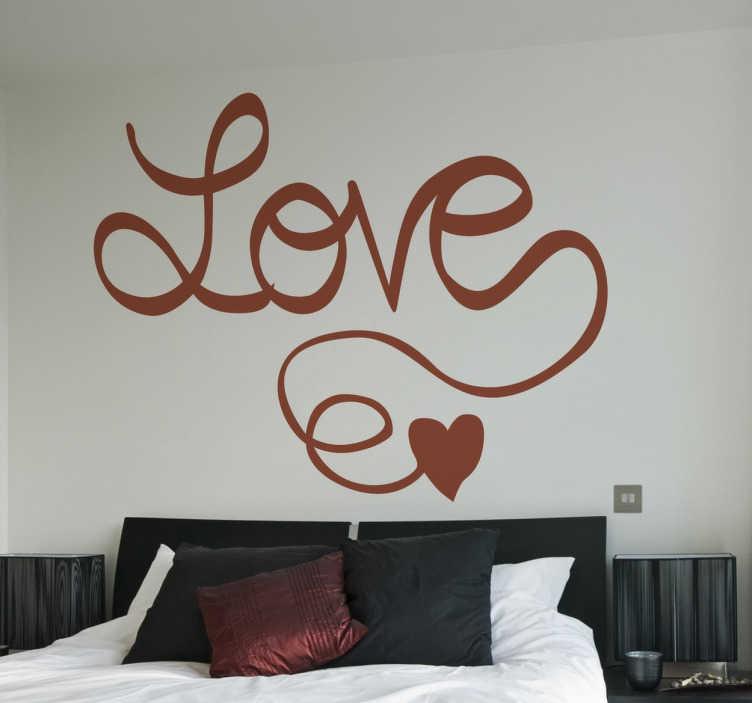 """TenStickers. 서예 스티커 사랑. 사랑의 벽 스티커 컬렉션에서 서예 텍스트의 """"사랑""""이라는 낭만적 인 데칼을 침실의 헤드 보드 위에 배치 할 수 있습니다."""