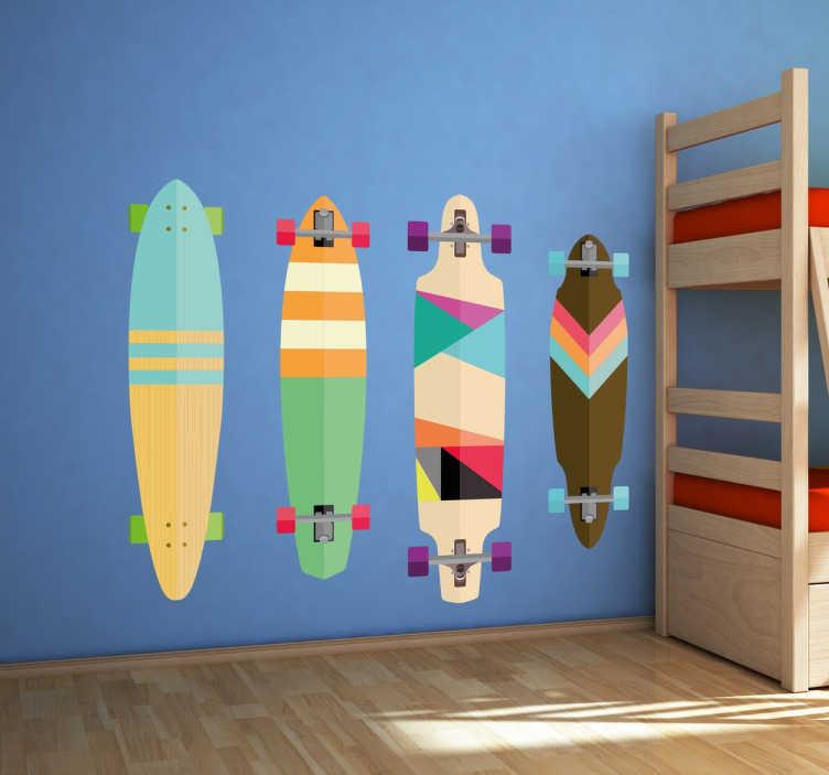 TenStickers. 다채로운 스케이트 보드 스티커. 다채로운 스케이트 보드 시리즈를 갖춘 스케이트 보드 벽 스티커,이 인기있는 도시 스포츠의 팬들에게 이상적입니다. 어떤 십대 침실의 벽에도 약간의 색상을 가져다 줄 수있는 생동감있는 디자인.