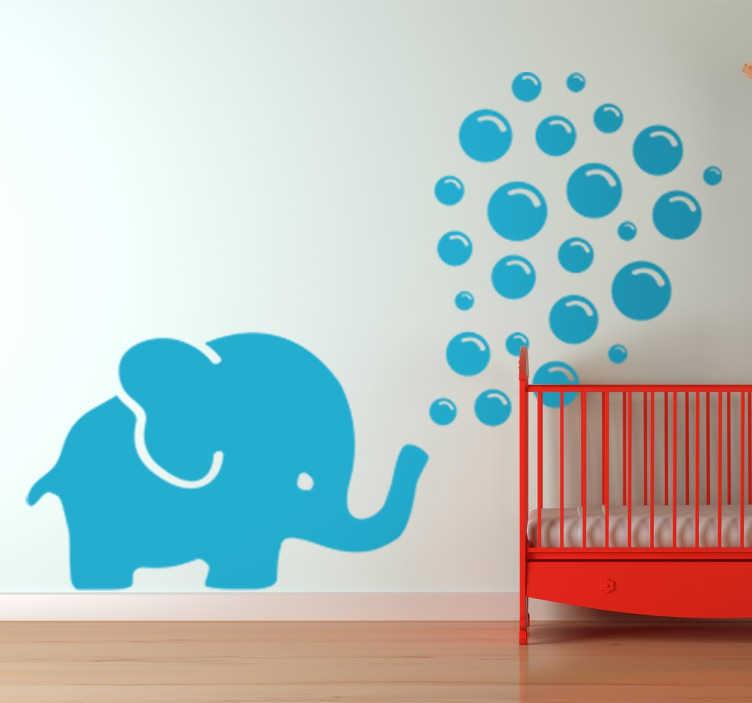 TENSTICKERS. 象を吹く象の壁のステッカー. 泡を吹く青い象の元の図面とかわいい子供の壁のステッカー。この素敵な漫画の壁のステッカーは、あなたが望むかもしれない任意の色とサイズで利用可能であり、赤ちゃんのための任意の子供の寝室や保育園を飾るために最適です。