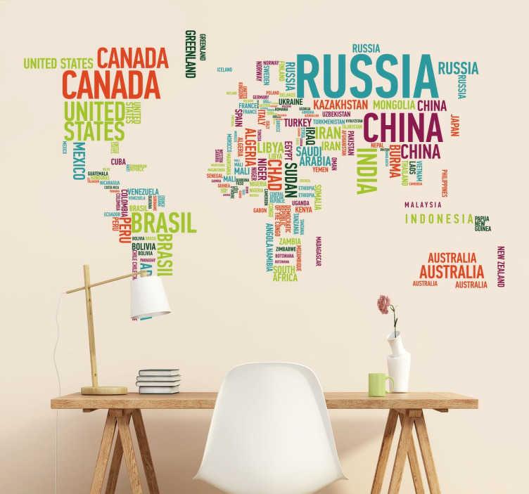 TenStickers. Kleurrijke Wereldkaart Muursticker Landen Namen. Prachtige wereldkaart muursticker samengesteld uit de landen in de lichte en kleurrijke woorden geschreven.