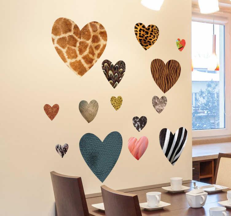 TenStickers. Nalepke za živalsko tiskanje srca. Kolekcija nalepk srčnega stena z različnimi živalskimi kožami. Zelo edinstvena stenska nalepka, ki prikazuje vašo ljubezen do živali.