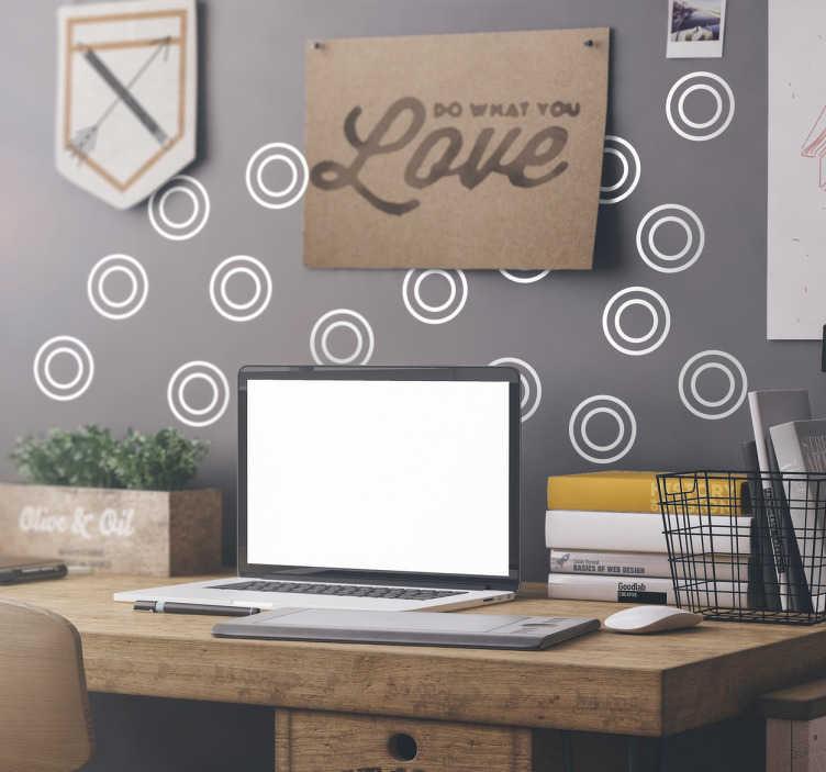 TenStickers. Cirkel Decoratie Stickerset. Decoreer elke gewenste ruimte met deze muursticker waar dubbele cirkels op zijn weergegeven. Kleur en afmetingen aanpasbaar. Ervaren ontwerpteam.