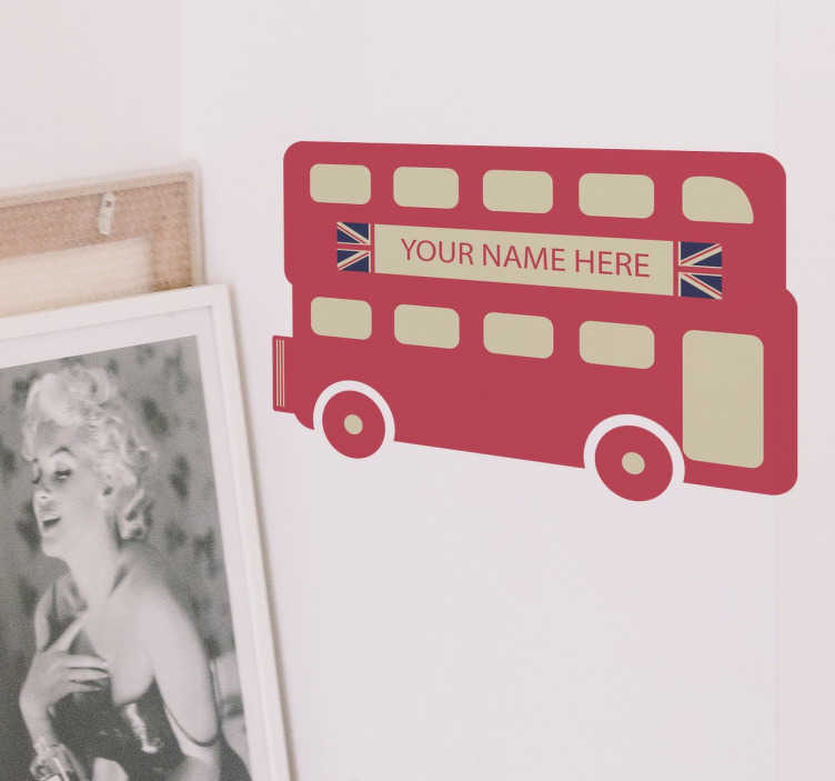 TenStickers. Muursticker Gepersonaliseerd Bus London. Een muursticker die de bekende bus van Londen Illustreert en u de mogelijkheid biedt om hier een eigen naam of tekst in toe te voegen.