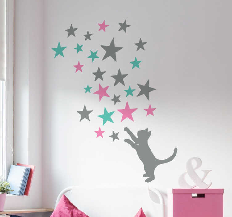 TENSTICKERS. 猫を捕まえる星の壁のステッカー. 奇妙な星空をキャッチしようとしている猫の美しいシルエットの壁のステッカー。あなたとあなたの家族のための魔法のタッチを作成するためにあなたの家のどの部屋を飾るために理想的です。私たちの動物のステッカーコレクションからのパステルカラーの甘いデザインです。