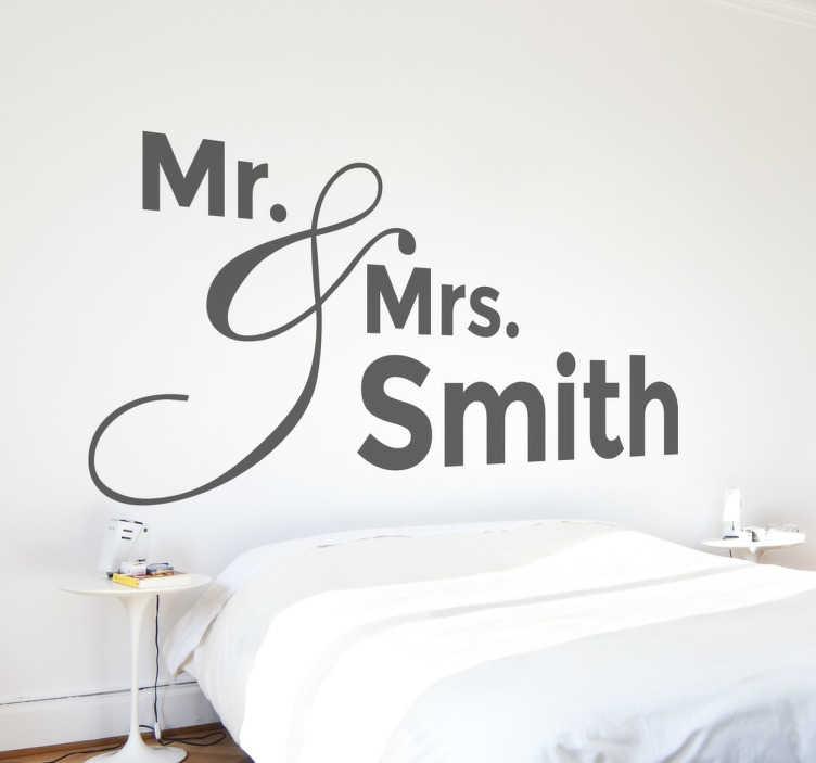 TenVinilo. Vinilo decorativo personalizable Mr and Mrs. Vinilos decorativos para cabeceros de cama personalizables, escríbenos el apellido que desees en el apartado correspondiente de la ficha de producto.