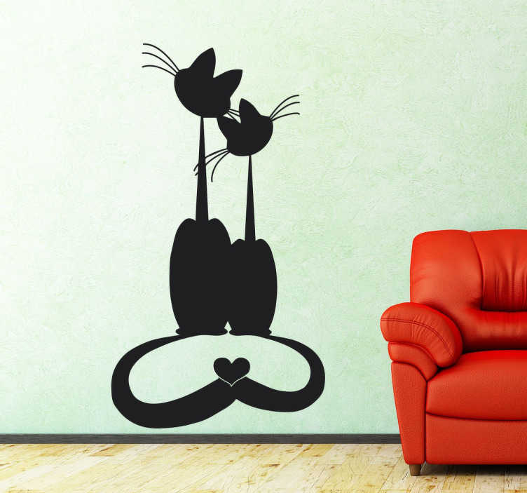 TenStickers. Vinil decorativo gatos apaixonados. Vinil decorativo para amantes de animais, em especial de gatos. Adesivo de parede de dois gatos juntos e unidos pela cauda em forma de coração.