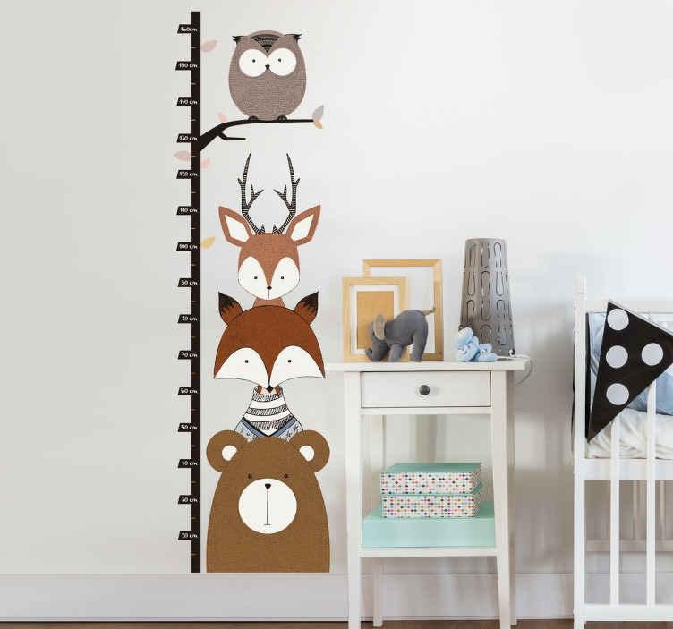 TenStickers. 삼림 동물 높이 차트 스티커. 당신의 아이는 동물을 사랑합니까? 이 높이 차트 벽 스티커는 그들이 사랑하는 방식으로 그들의 침실을 꾸미기에 적합합니다!