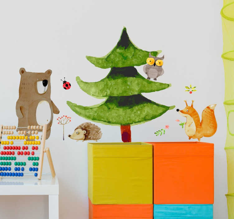 TenStickers. Wandtattoo kleiner Wald. Wandtattoo für das Kinderzimmer. Das Wandtattoo illustriert einen kleinen Wald mit einem Baum, einer Eule, einem Igel, einem Fuchs und einem Bär.