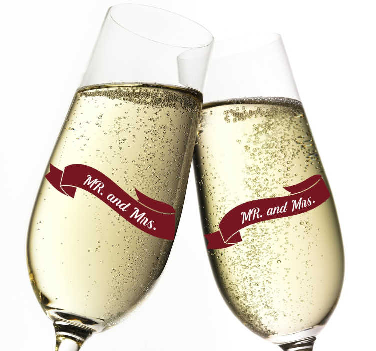 """TenStickers. Sticker mariage Mr & Mrs banderole. Sticker mariage représentant une banderole sur laquelle il est écrit """"Mr and Mrs"""". Idéal pour décorer votre lieu de réception et vos coupes champagne."""