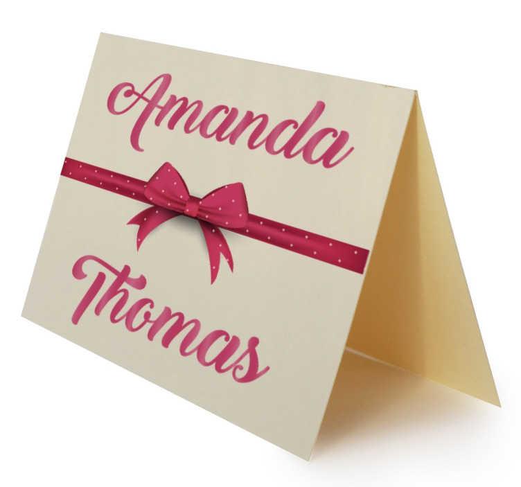 TenStickers. Naklejka ślubna personalizowana. Każdy chce aby dzień ślubu był niezapomniany. Ta personalizowana naklejka na winetkę z pewnością pomoże,aby ten dzień stał się dla Ciebie wyjątkowy.