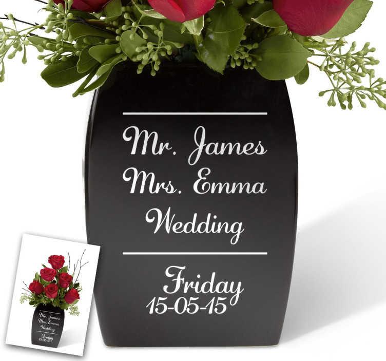"""TenStickers. Hochzeitsaufkleber Mr. & Mrs. Wedding. Aufkleber für Ihren Hochzeitstag. Der Hochzeitsaufkleber illustriert die Namen des Brautpaares, die Aufschrift """"Wedding"""", sowie das Hochzeitsdatum."""