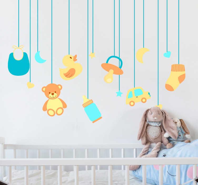 TenVinilo. Vinilo infantil juguetes bebé colgantes. Adhesivo con un osito, una estrella, un lazo y un coche Original y divertido fotomural para decorar la habitación de tus hijos.