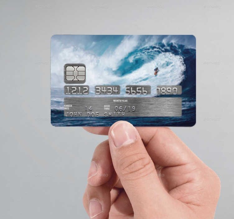 TenVinilo. Vinilo tarjeta de crédito surfer. Personaliza tu tarjeta de crédito con un original sticker en la que aparece la imagen de un surfista sorteando una enorme ola.