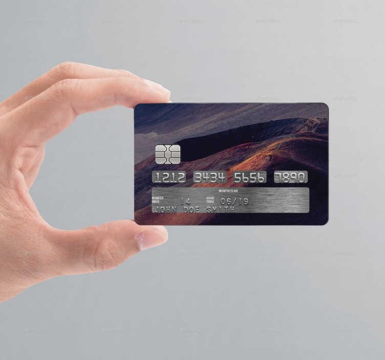 TenStickers. Kreditkort sticker vulkan. Nu kan du gøre dit betalingskort helt personligt. Et klistermærke med motiv af en vulkan. Dette klistermærke har standart størrelsen af et Visa kort.