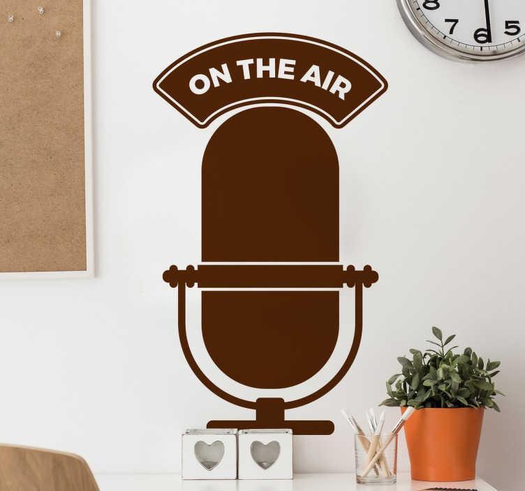 """TenStickers. Adesivo decorativo on the air radio. Adesivi vintage, in questo originale sticker è raffigurato un vecchio microfono e nella parte superiore la scritta """"on the air"""", cioè """"in onda""""."""