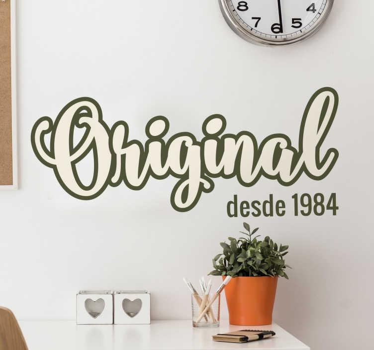 TenStickers. Vinil personalizável ano original. Vinil  parede vintage com um desenho caligráfico original com o ano que podes personalizar. Ideal para decoração de interiores.