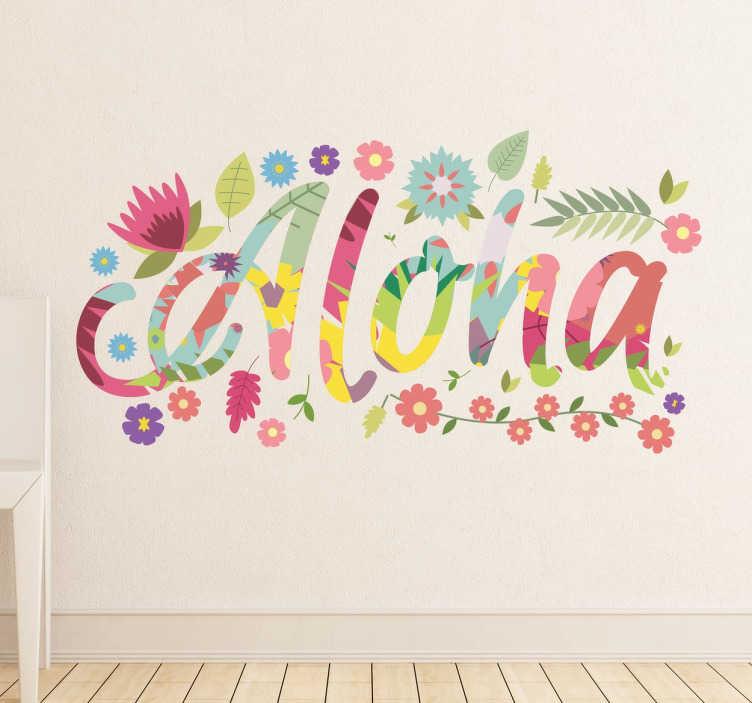 TenStickers. 알로하 하와이 벽 스티커. 하와이 알로하 벽 스티커 - 텍스트 스티커는 꽃과 나뭇잎으로 둘러싸인 화려한 꽃 글꼴입니다. 이 이국적인 꽃 스티커는 평범하고 지루한 벽을 수 분 만에 변형시킬 수 있습니다!