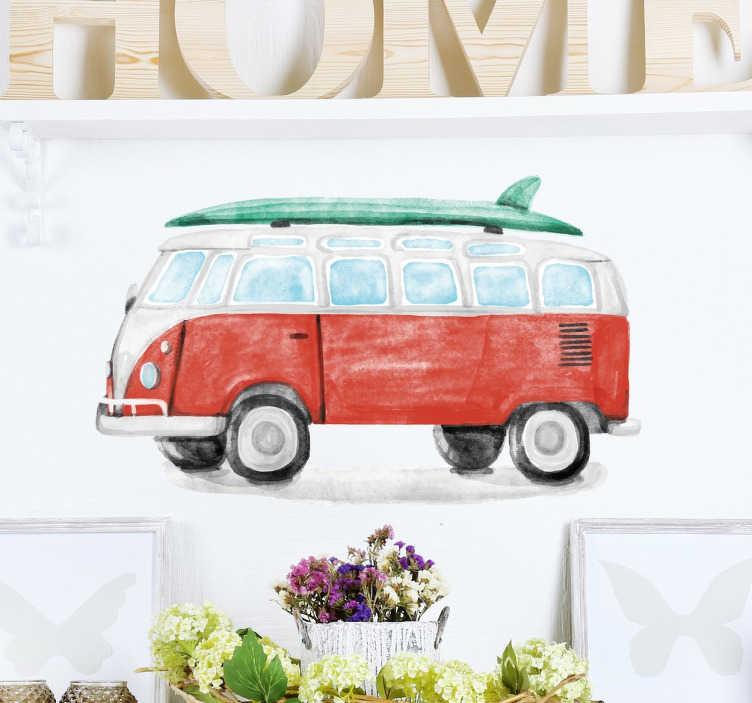 TenStickers. Naklejka akwarelowa furgonetka. Naklejka ścienna prezentująca furgonetkę Volkswagen na której na dachu możemy dostrzec deskę surfingową.