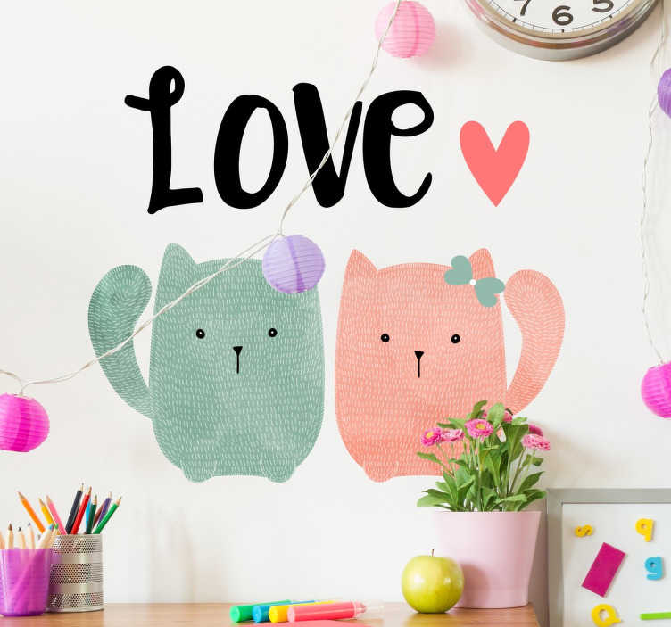 """TenStickers. 두 고양이 사랑 벽 스티커. 고양이 벽 스티커 - 장식 애완 동물 스티커 """"사랑""""그들 위에 작성 된 단어로 두 개의 귀여운 고양이를 갖춘. 우리 고양이 애호가들을위한 완벽한 디자인!"""