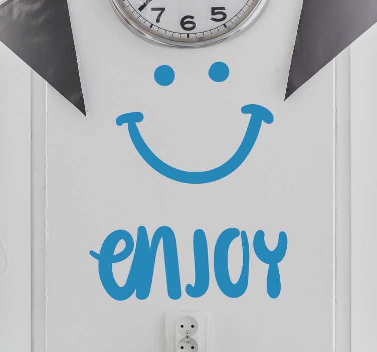 """TENSTICKERS. 笑顔の壁のステッカーをお楽しみください. この楽しいと多目的な笑顔の壁のステッカーは、スマイリー顔の横にある """"楽しむ""""とあなたの台所やレストランの壁を明るくするための完全なステッカーです!"""