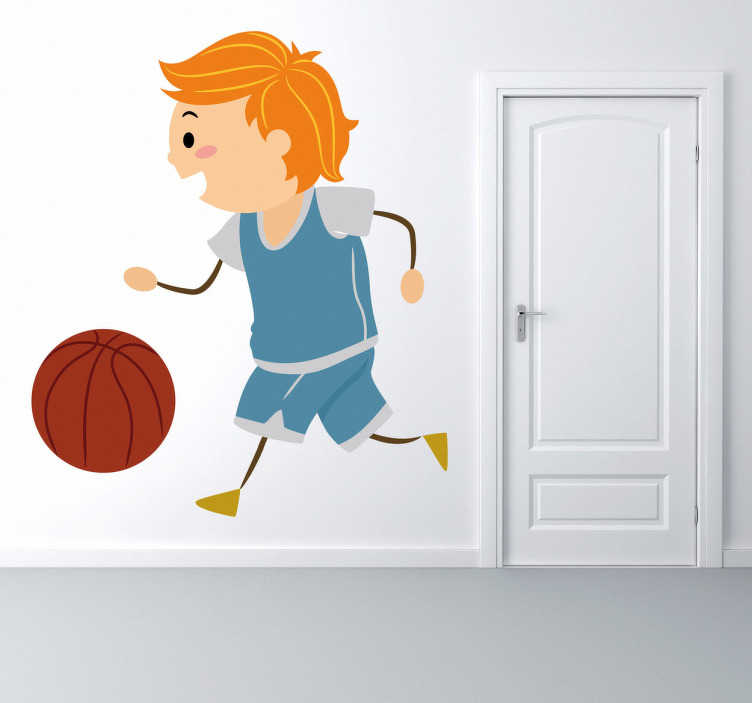 TenVinilo. Pegatina para niños baloncestista. Risueño niño rubio persiguiendo la pelota de basket para lanzar a canasta y poder ganar a sus rivales. Adhesivo decorativo infantil.