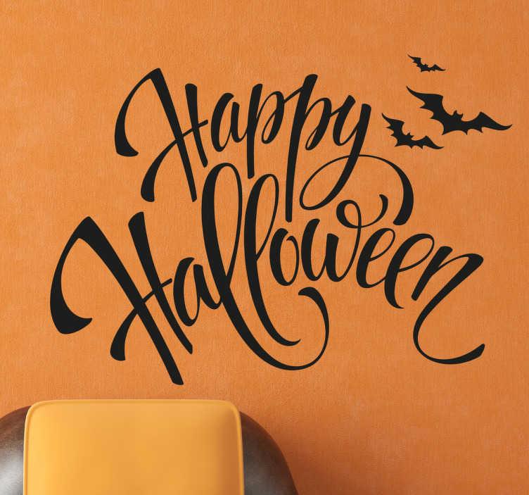 TenStickers. Muursticker Happy Halloween.. Muursticker Happy Halloween. Wens mensen een fijne Halloween toe met deze muursticker, Happy Halloween is geschreven in sierlijk font.