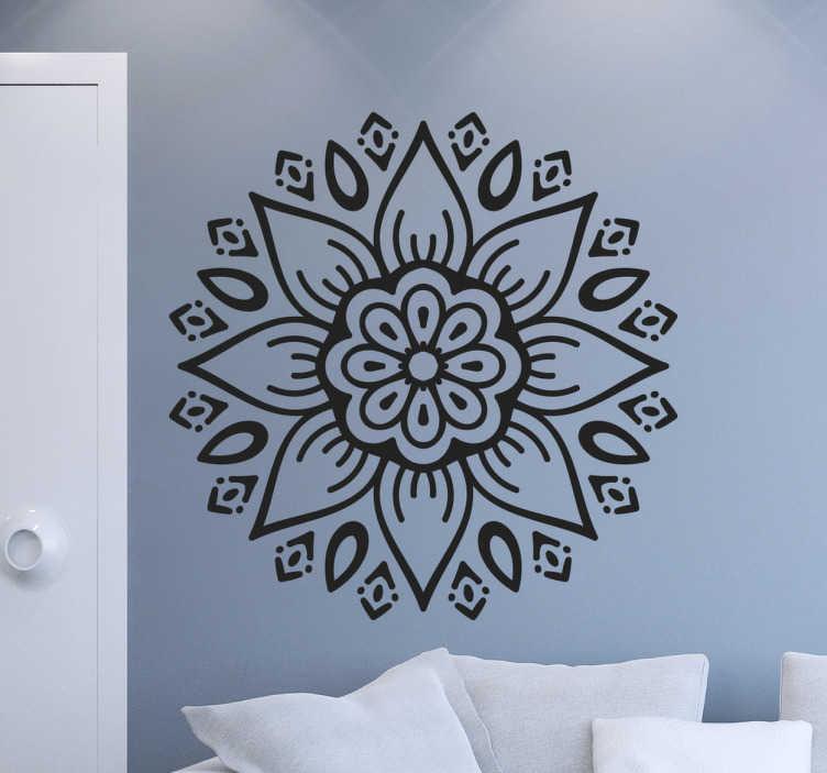 TenStickers. Naklejka z rysunkiem Kwiat mandala. Abstrakcyjny kwiecisty wzór który odmieni wnętrze twojego mieszkania. Motywy kwiatowe w formie naklejki to dobry pomysł na odświeżenie wnętrza.