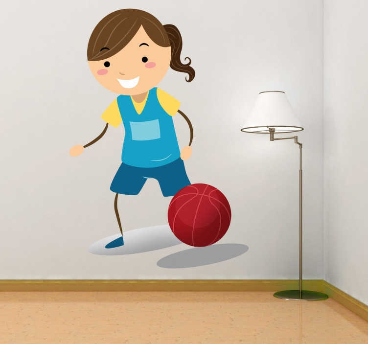 TenStickers. Nakejka dziecięca zawodniczka w koszykówkę. Naklejka dekoracyjna przedstawiająca małą zawodniczkę, która gra w kosza.