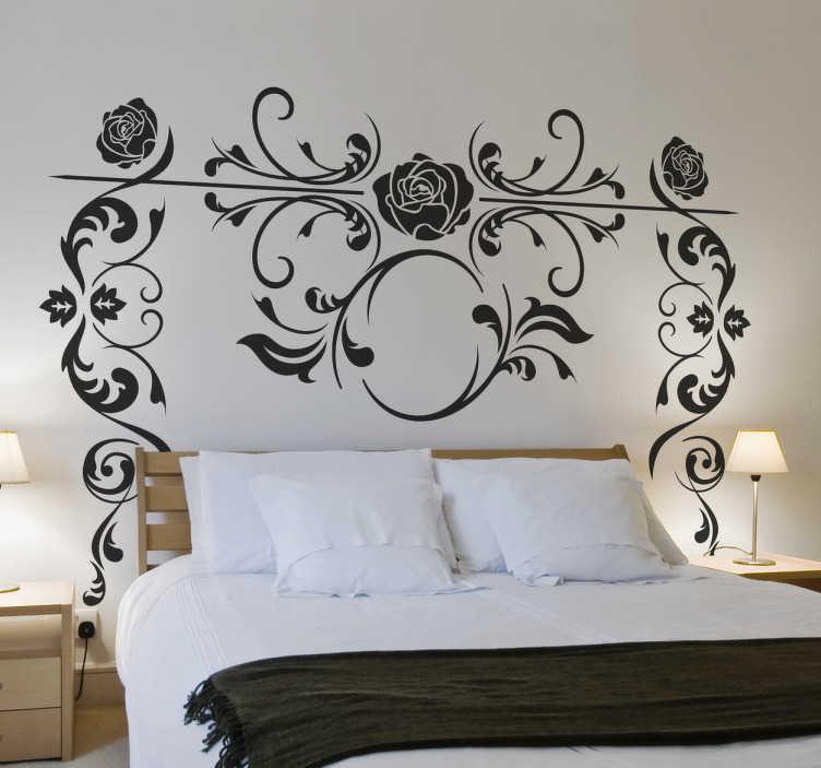 TenStickers. Wandtattoo Rosenranke ornamental. Blumen und florale Muster wie das auf diesem Wandtattoo Bettpfosten Rosenranke sind zeitlos und passen einfach immer.
